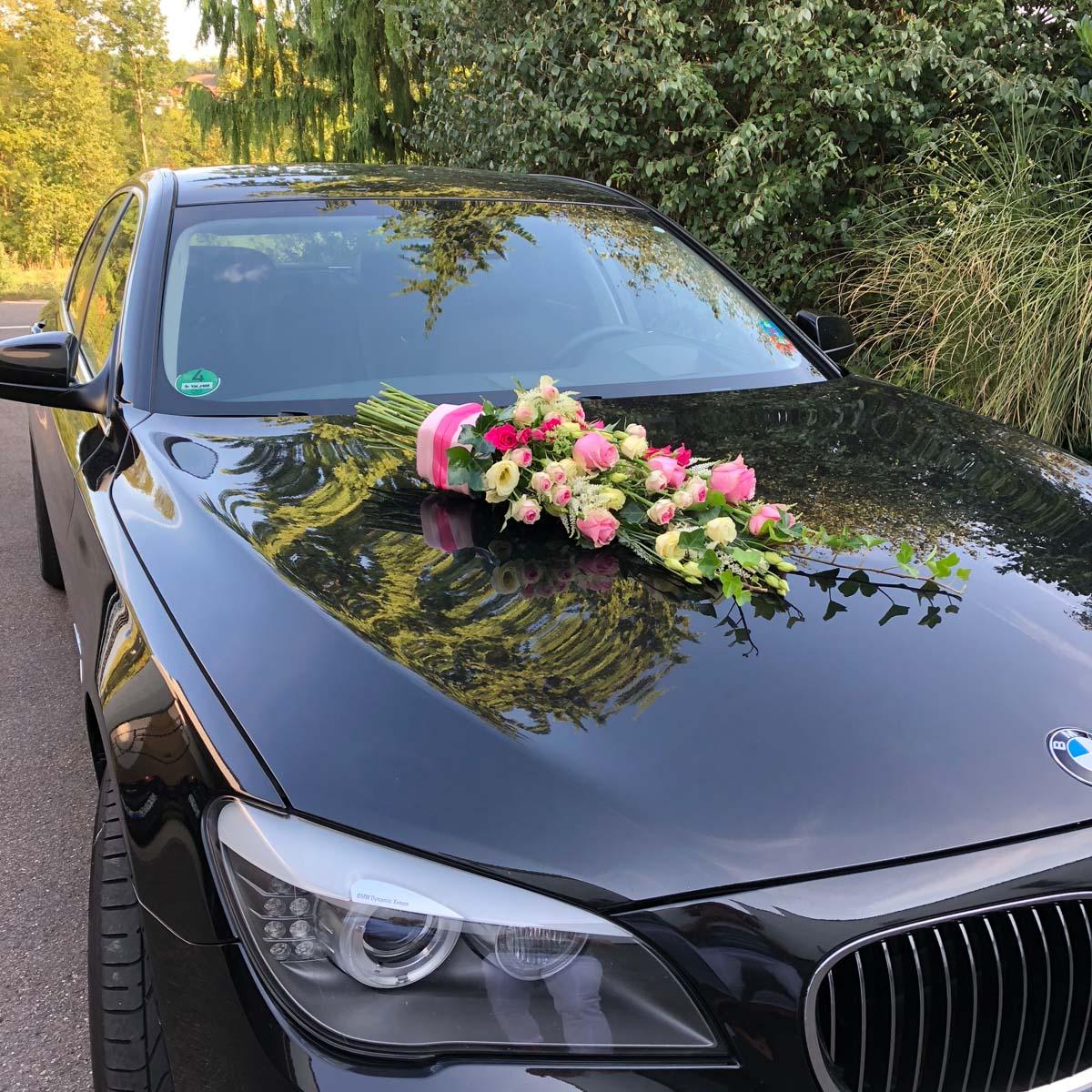 Hochzeits Floristik fürs Auto